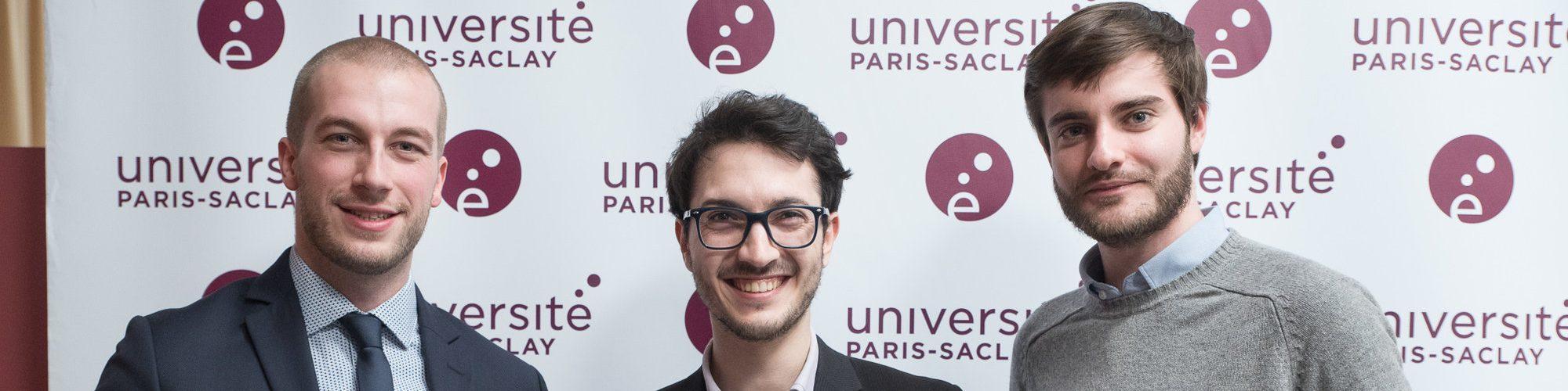 Trois étudiants diplomés d'un Master de l'Université Paris-Saclay