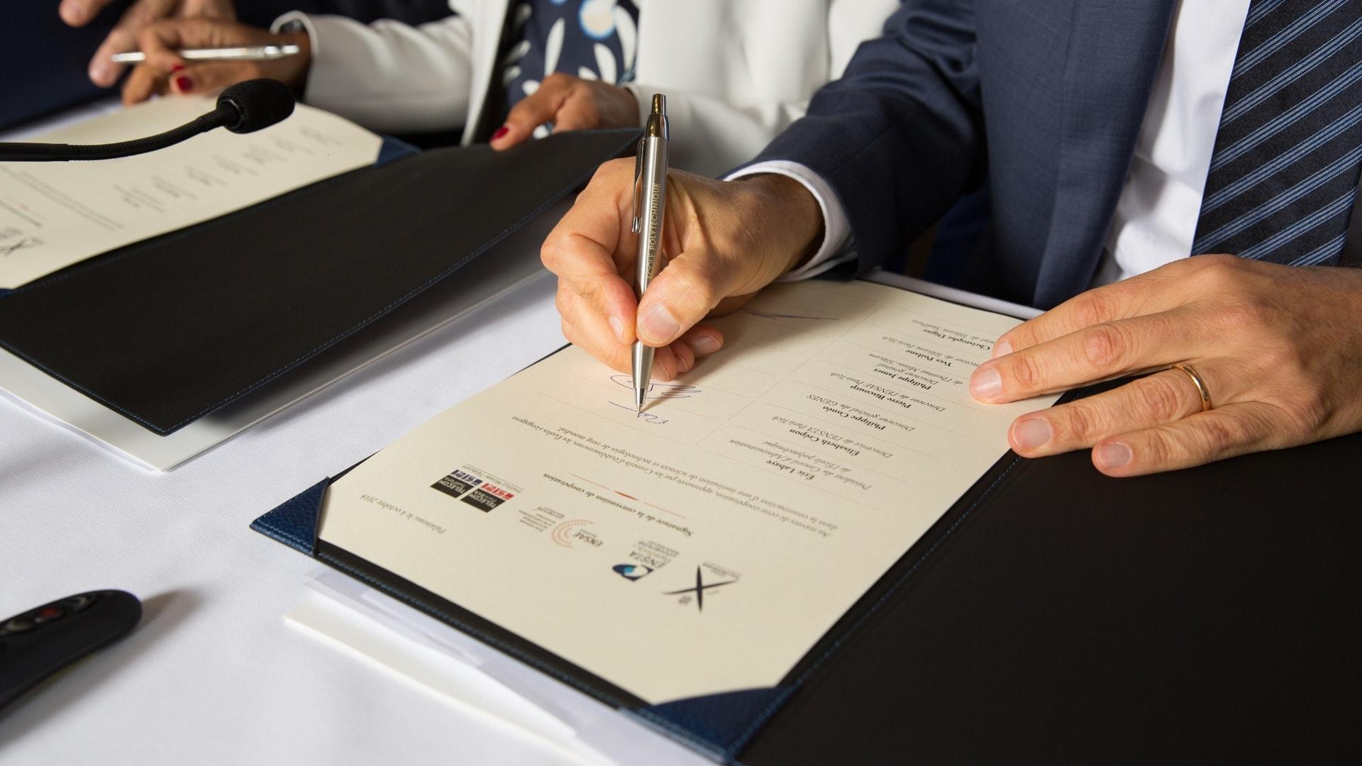 NewUni 2018 signing
