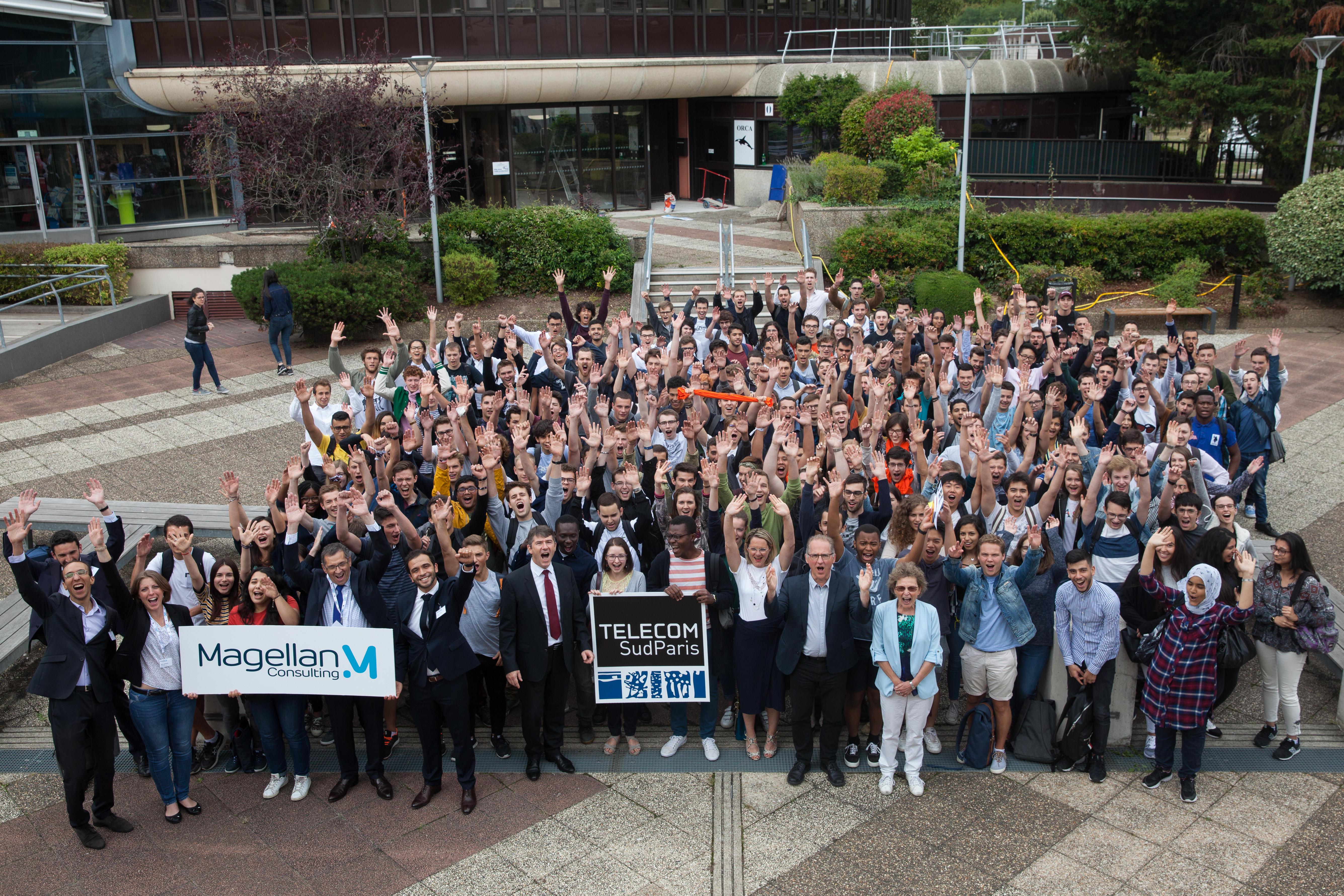 Photo-de-groupe-parrain-promotion-2018-Tlcom-Sudparis-ConvertImage