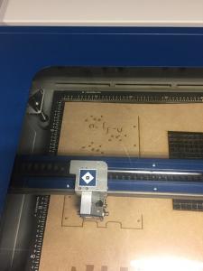 Découpeuse laser au FabLab Etoile de Télécom SudParis
